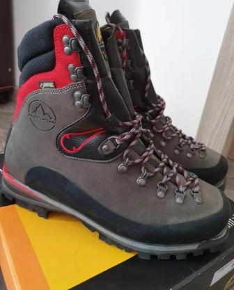 Ботинки горные La Sportiva Karakorum Evo GTX Red
