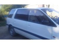 Mitsubishi Space Wagon 1991 года