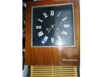 Часы продам старинные женские швейцарские часы в спб продать