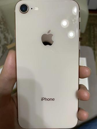 IPhone 8 Gold 64Gb. Фото 2