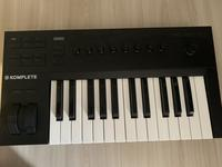 Native instruments Komplete 25a