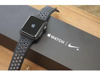 Apple Watch Series 2 Nike + Sport. 42 мм.