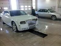 Chrysler 300C 2005 года