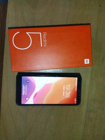 Xiaomi redmi 5 3/32 gb black